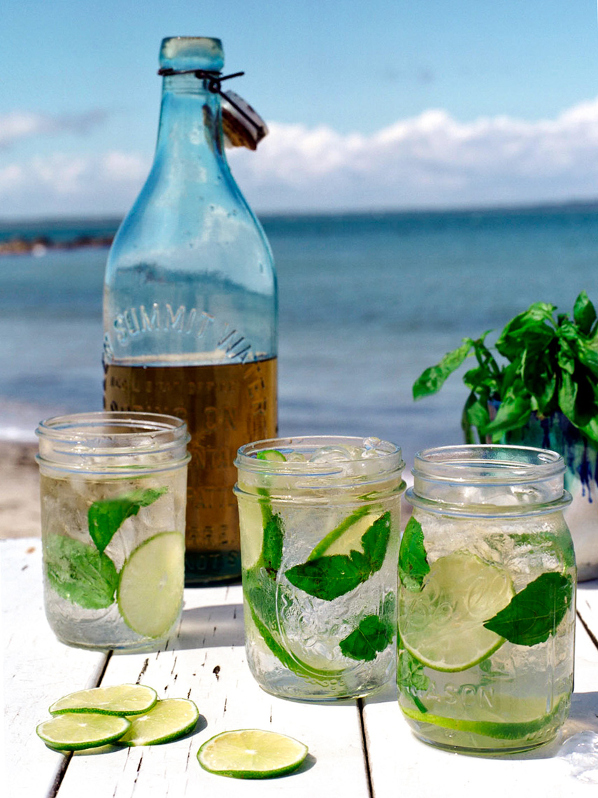 Drinks by the beach in Nantucket for Coastal Living magazine