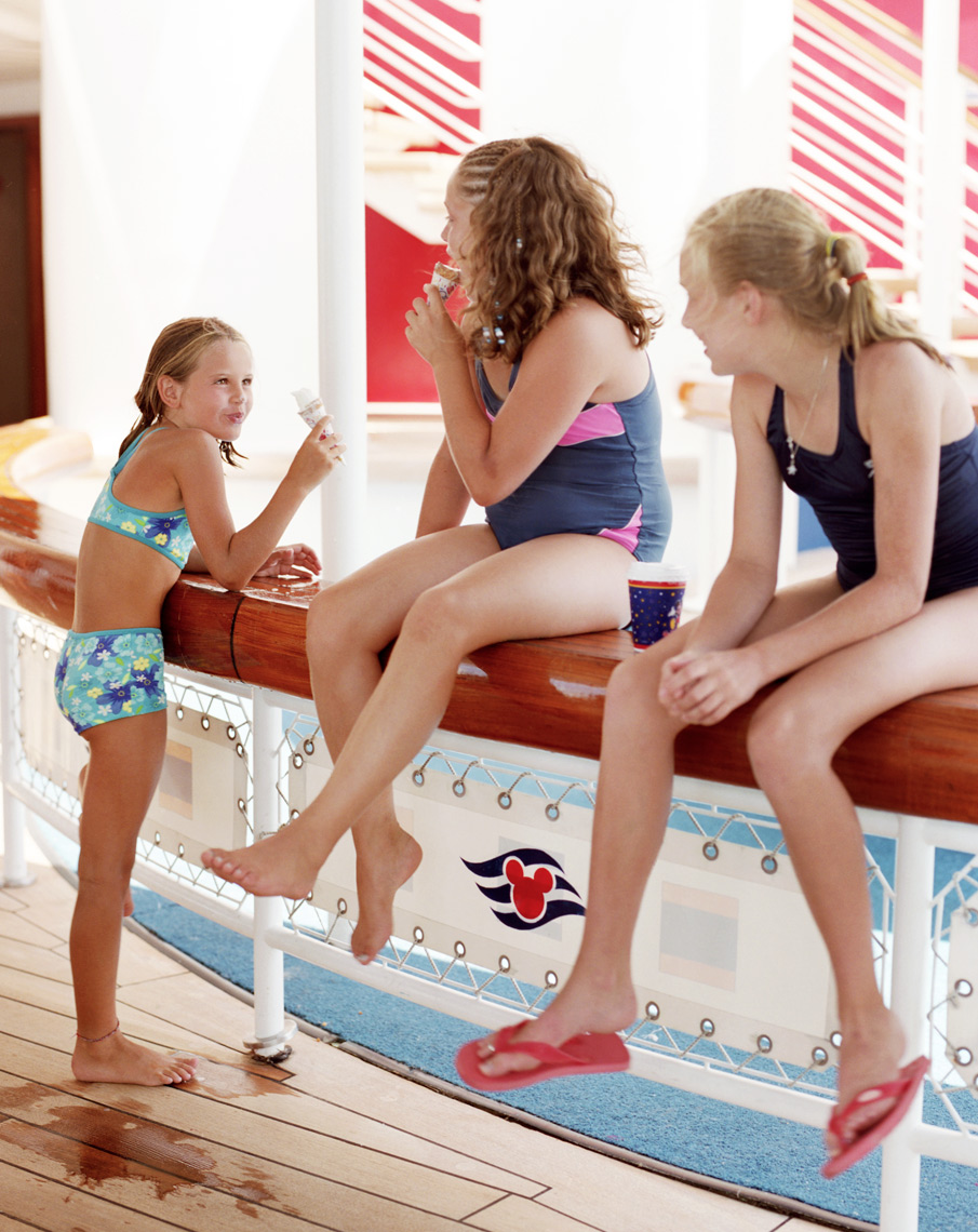 Disney Cruise kids eating ice cream in bathing suits