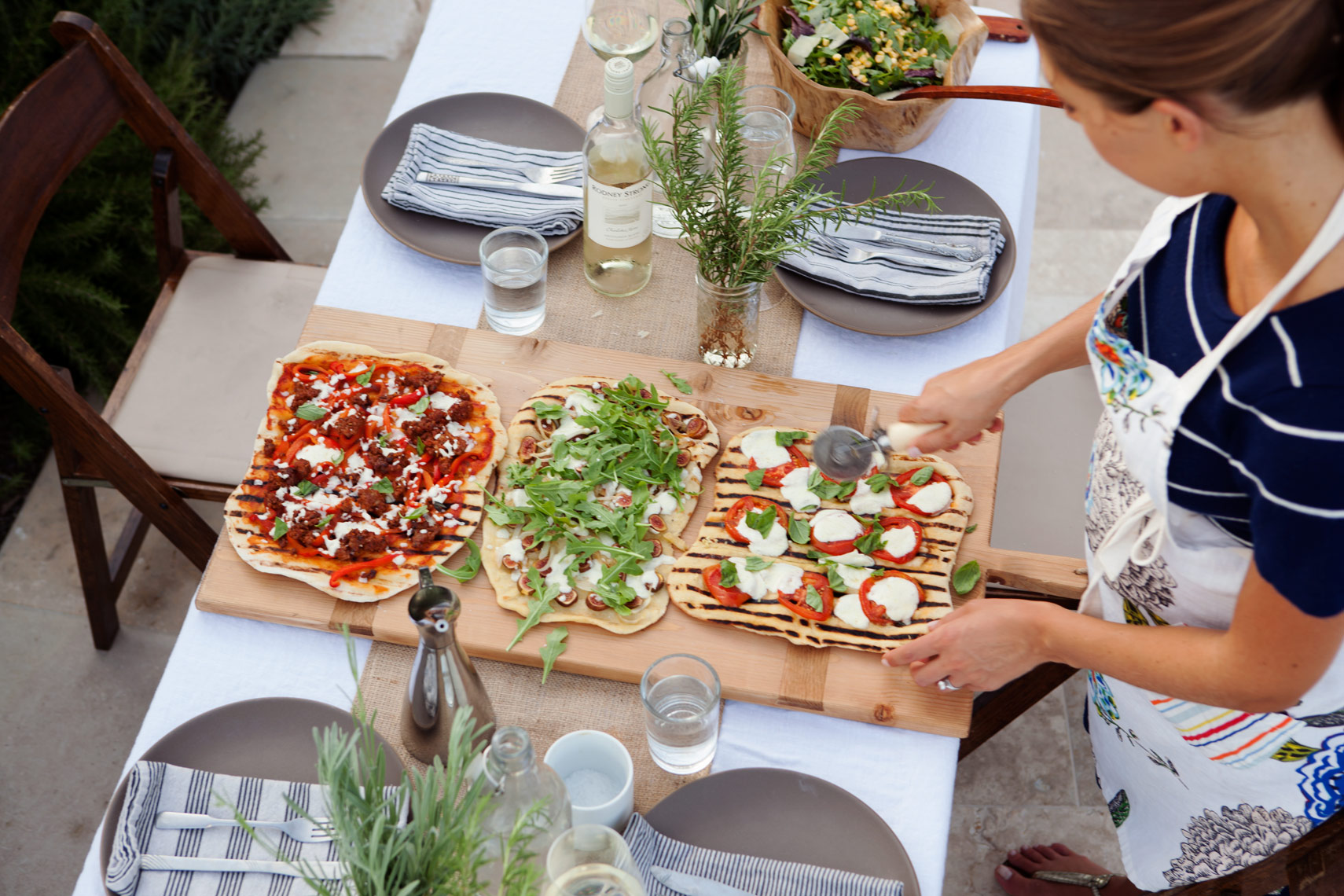 Camille Styles blog pizza grilling party entertaining outdoors